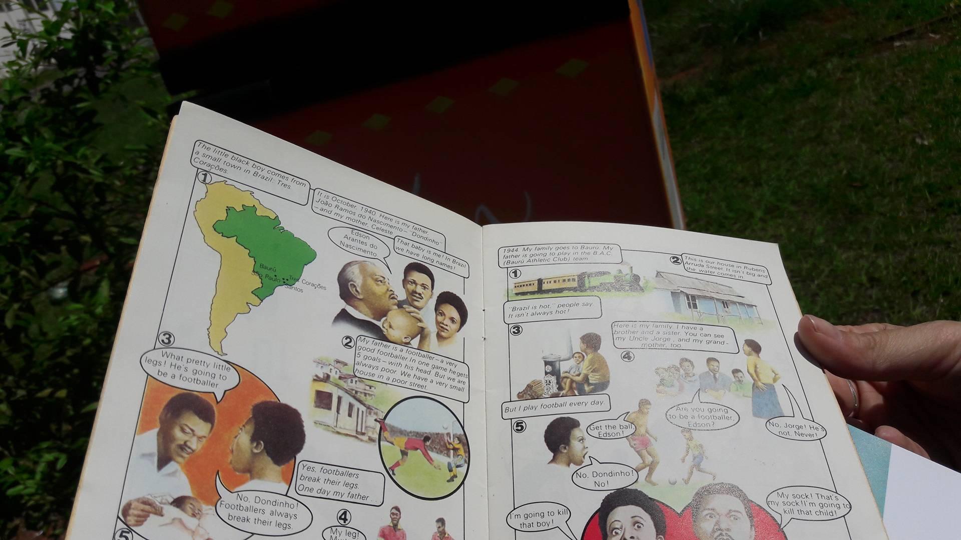 Até um história em quadrinhos do Pelé em inglês tinha na geladeira de livros