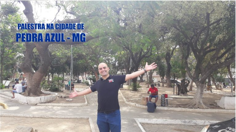 Praça de Pedra Azul